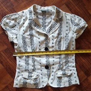 White Button blouse w black embroidery
